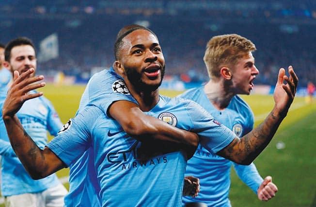 Late goals give ten-man City 3-2 win at Schalke
