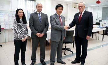 China donates €10,000 to CMP