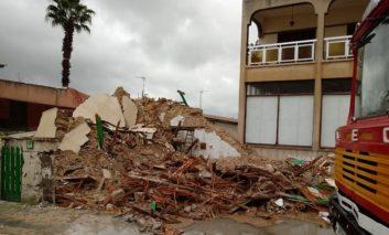 House collapses in heavy rain
