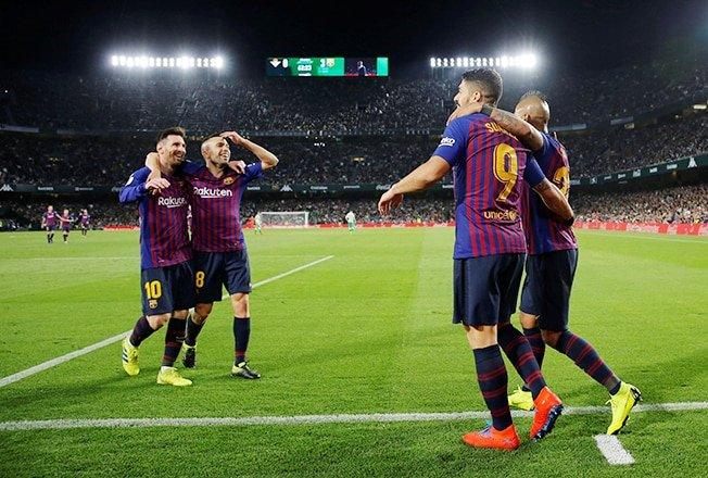 Pochettino picks Barcelona as favourites to win Champions League