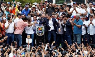 Guaido makes triumphant return to Venezuela