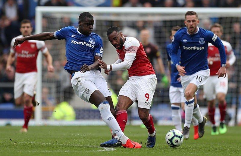 Soccer Football Premier League Everton V Arsenal Goodison Park Liverpool Britain April 7 2019 Evertons Kurt Zouma And Gylfi Sigurdsson In Action