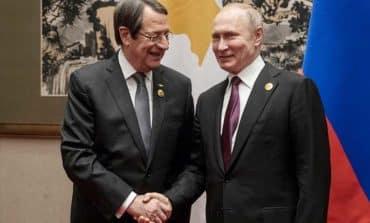 Anastasiades meets Putin, both laud bilateral relations