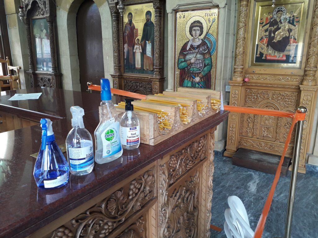 Coronavirus: Church says no plastic spoons for Holy Communion