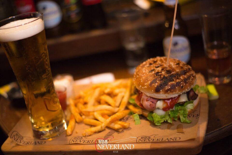Feature Gina Main Neverland Burger