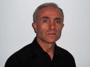 Feature Esat Esat Mustafa