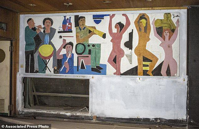 Painting By Christoforos Savva On The Wall Of The Perroquet Nightclub Eleni Papadopoullou Politis