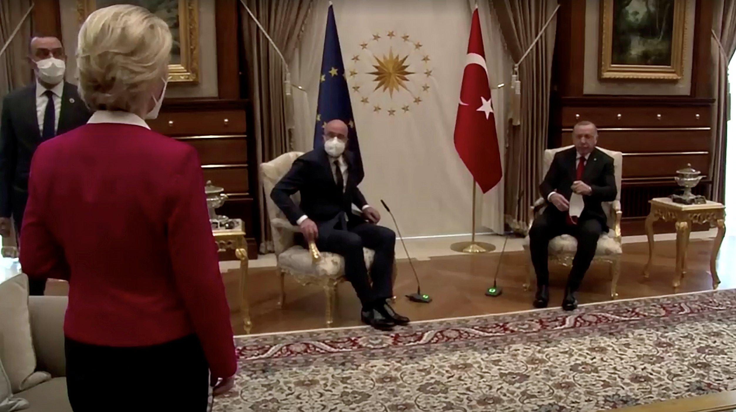 Μετά από ατυχήματα, η Τουρκία αναφέρει ότι τα έπιπλα ανταποκρίθηκαν στις απαιτήσεις της ΕΕ