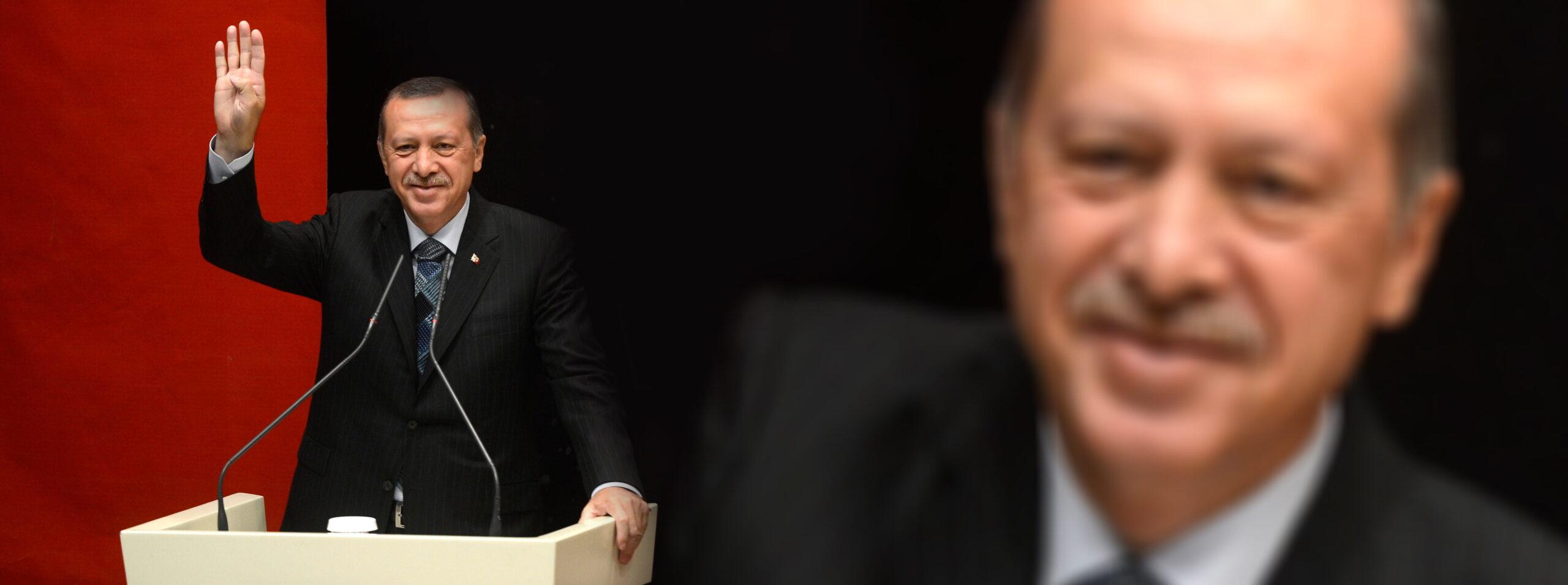Η τουρκική κεντρική τράπεζα διατηρεί επιτόκια.  Η λίρα ανεβαίνει στα 9,72 σε ευρώ