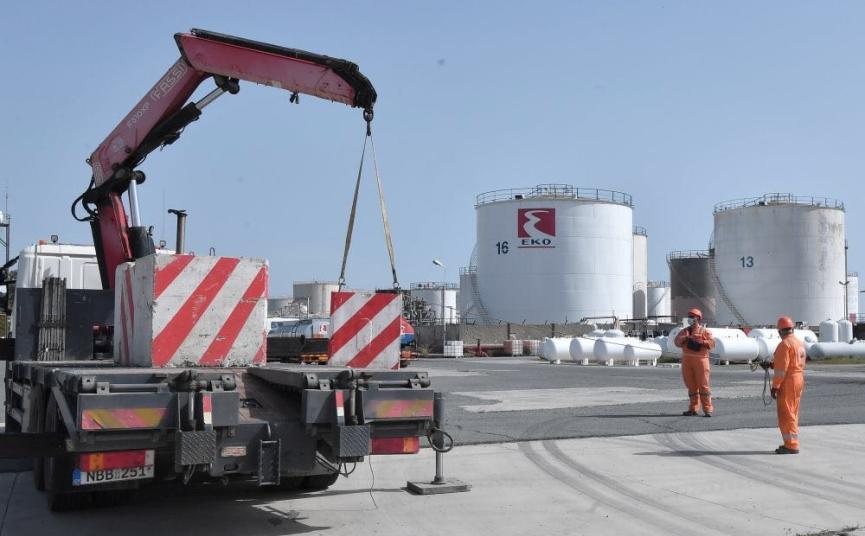 hellenic petroleum fuel tanks demolished