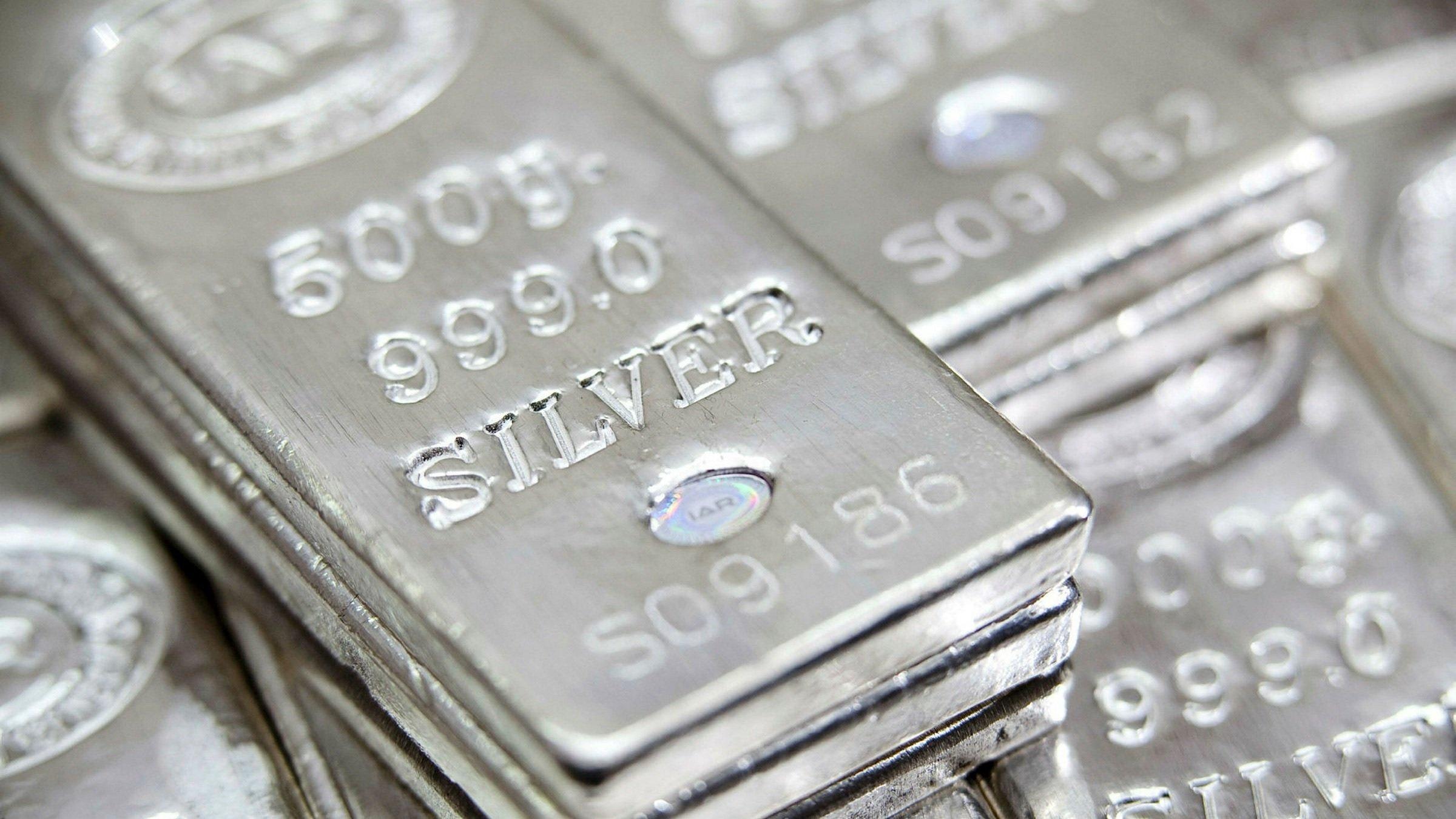 Το ασήμι θα ξεπεράσει τον χρυσό καθώς η ζήτηση φτάνει στο υψηλό των 8 ετών