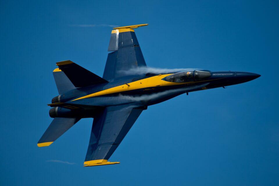 wing airplane plane aircraft jet vehicle 622393 pxhere.com