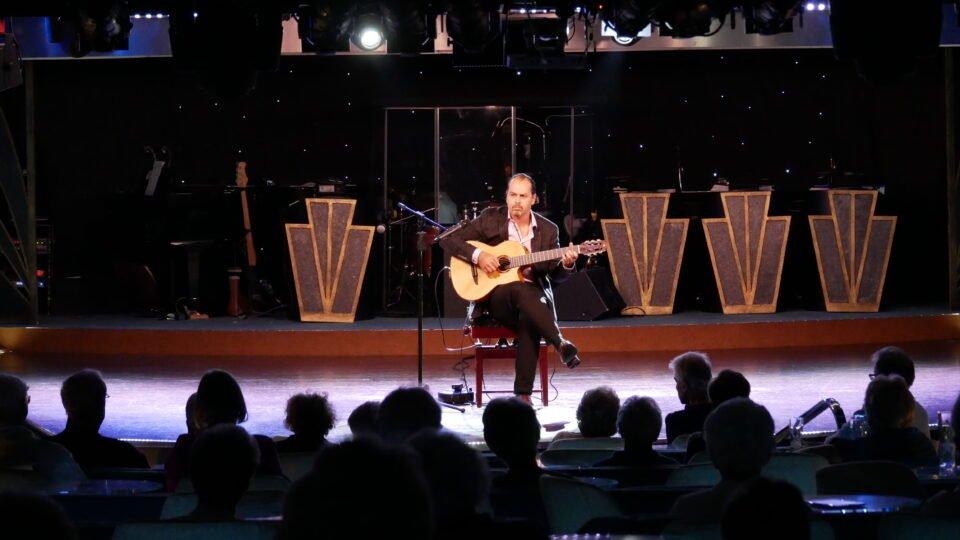mark hussey on balmoral guitar