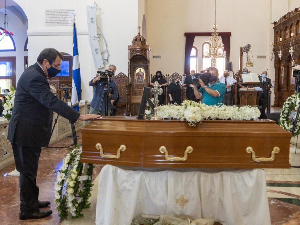 ΠτΔ – Κηδεία Νίκου Ρολάνδη // por – fun