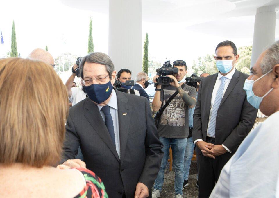 ΠτΔ – Επίσκεψη στο Μακάρειο Νοσοκο