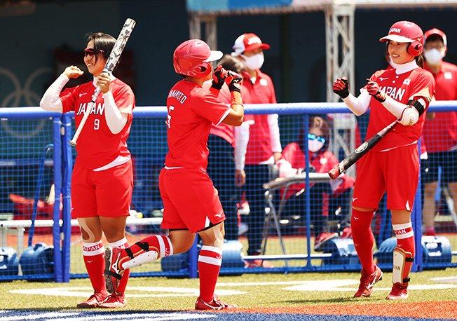 softball women opening round australia v japan