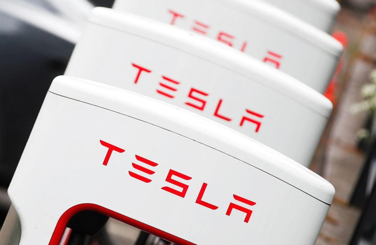 Big Short investor Burry says hes no longer betting against Tesla